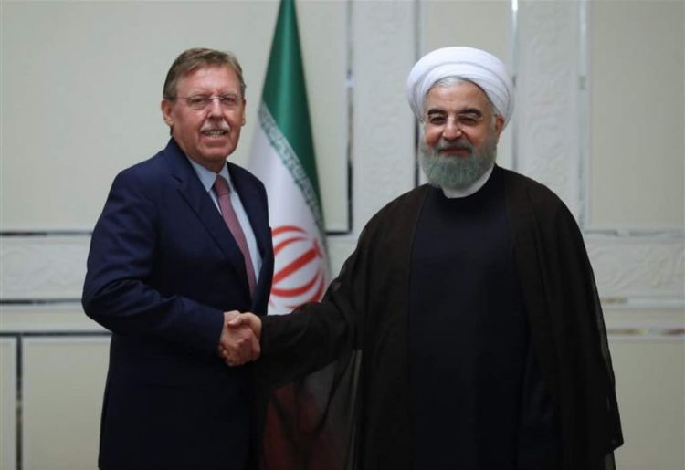 İran prezidenti Avropa ölkələrini ABŞ-a təzyiq göstərməyə çağırıb