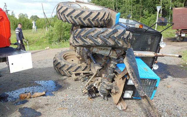 Samuxda traktor aşdı