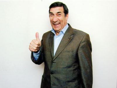 Arif Quliyev yeni avtomobil alıb