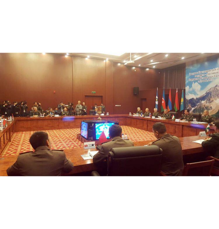 Zakir Həsənov MDB Müdafiə Nazirləri Şurasının iclasında iştirak edib