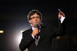 Kataloniya rəhbəri parlamenti müstəqillik elan etməyi dayandırmağa çağırıb –
