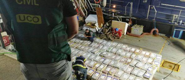 İspaniyada göyərtəsində 4 tonadək kokain olan gəmi saxlanılıb