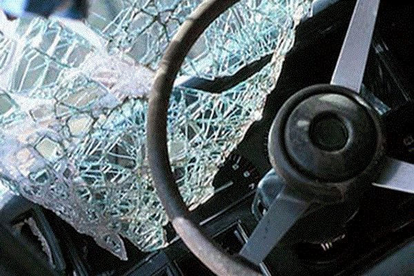 Cəlilabadda yük maşını mikroavtobusla toqquşub, ölən və yaralananlar var