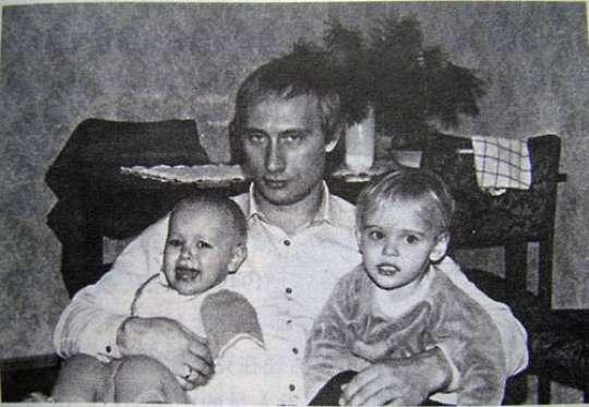 Putinin gizli saxladığı 2 gözəl qızı var imiş