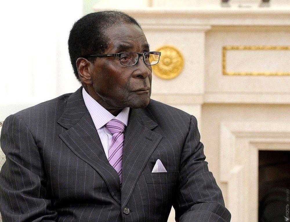 Zimbabve pezidenti istefaya getməkdən imtina edib