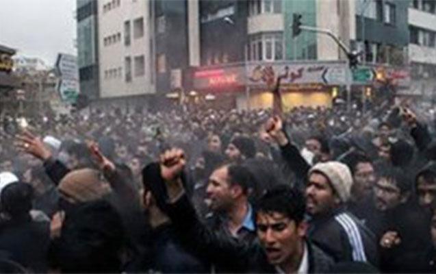 İranda etirazçıları güllələdilər –
