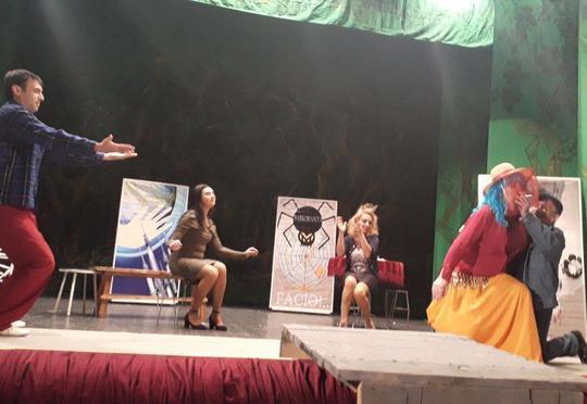 İrəvan Teatrı qastrola gedir