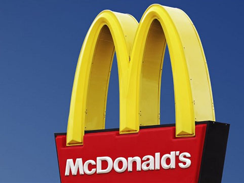 Hicablı tələbəni McDonalds-dan qovdular