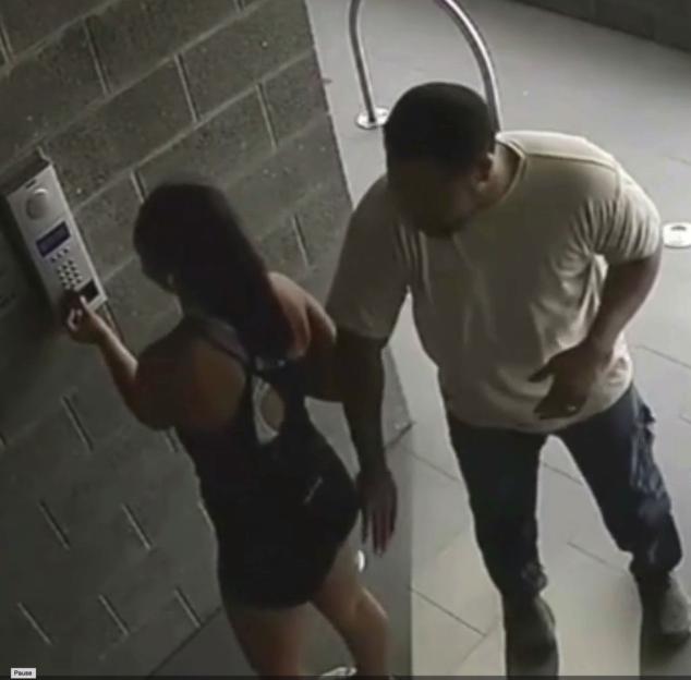 İki uşaq anasına qarşı əxlaqsızlıq anı kameraya düşdü