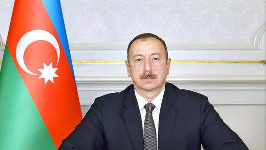 MSK İlham Əliyevə imza vərəqələri verdi