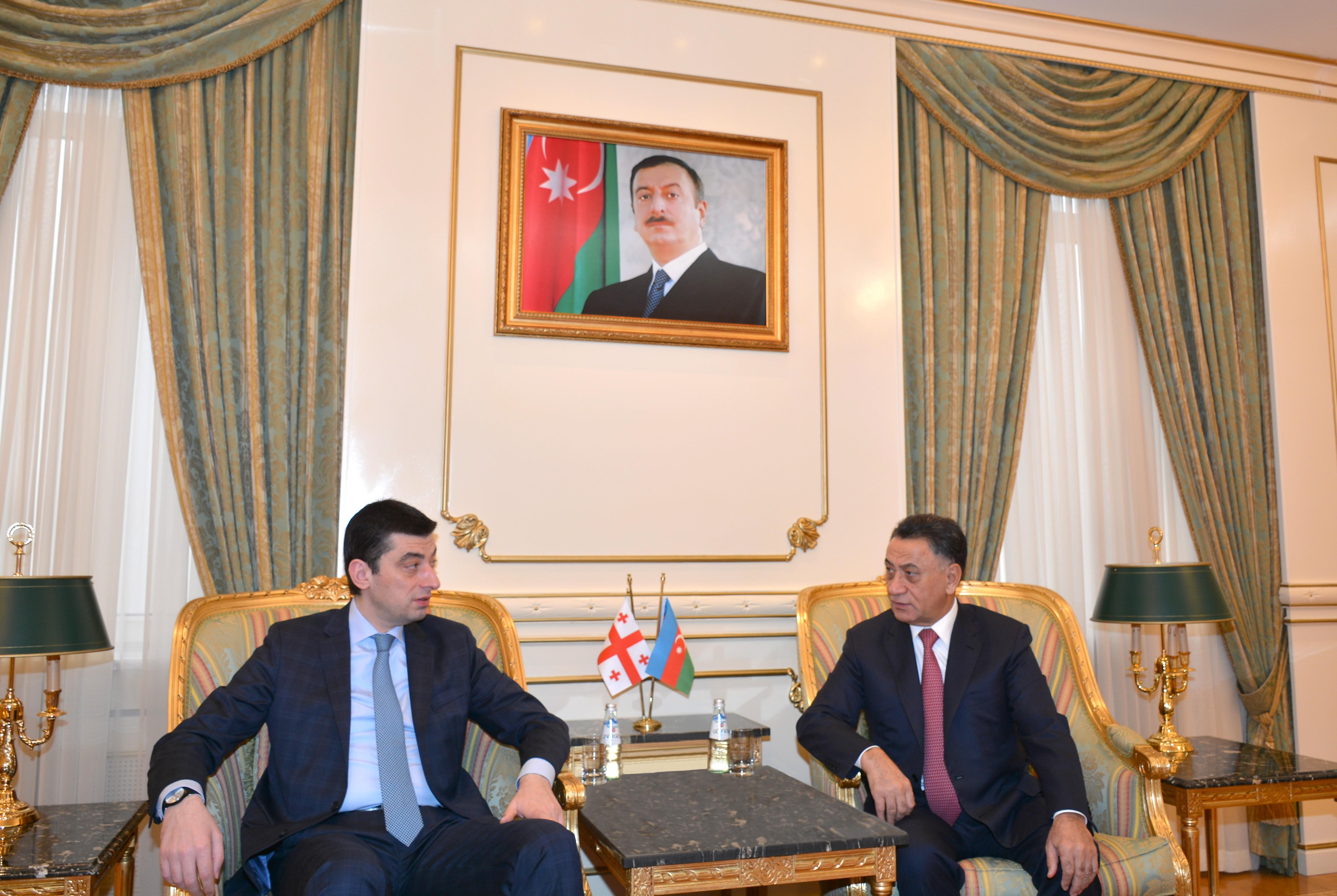 Ramil Usubov gürcü həmkarı ilə görüşüb