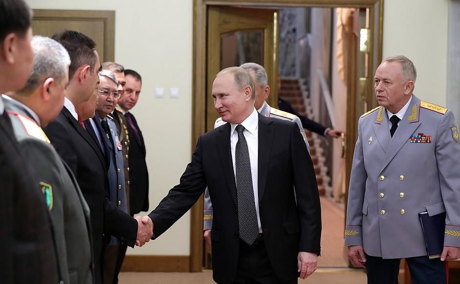 Putin bir neçə ölkənin müdafiə naziri ilə görüşüb