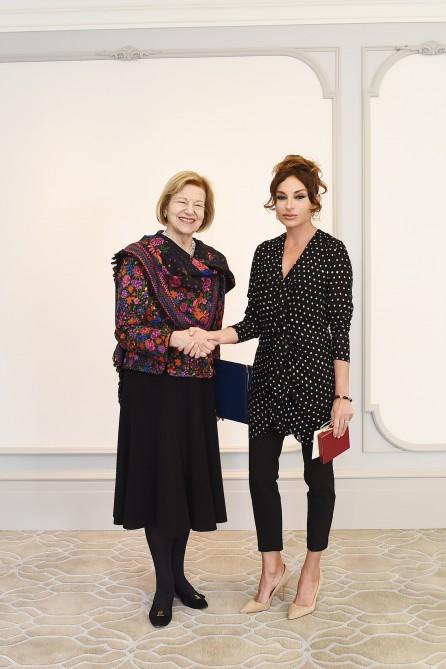 Mehriban Əliyeva Baş nazirin ticarət elçisi ilə görüşdü