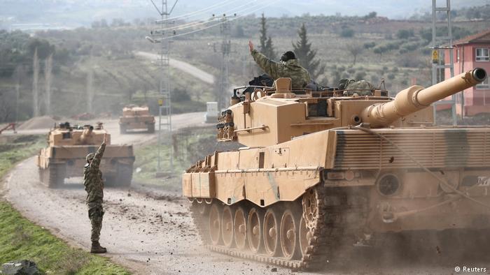 Afrində terrorçuların sığındığı ərazilər bombalandı