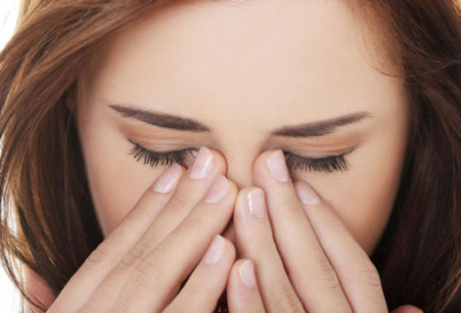 Allergik göz xəstəliklərinin sayı artıb