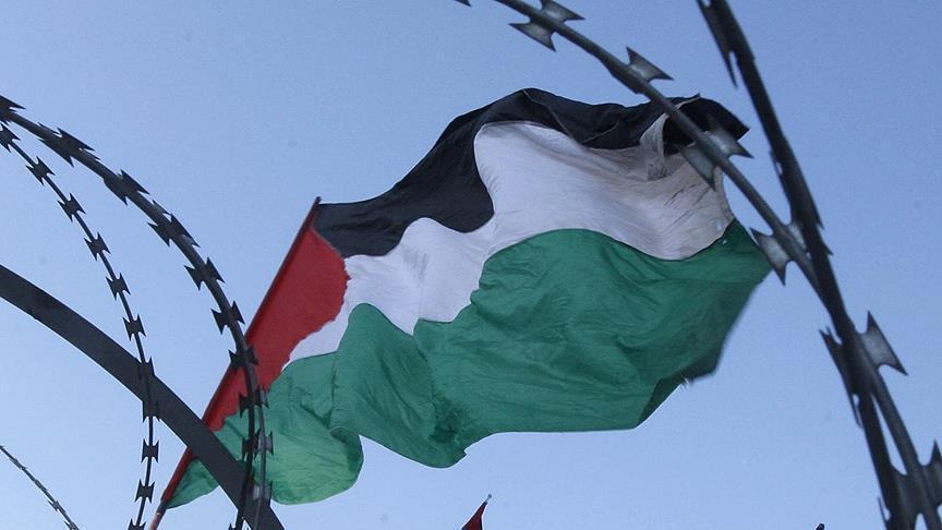 İsrail Fələstin hərbçilərini top atəşinə tutdu