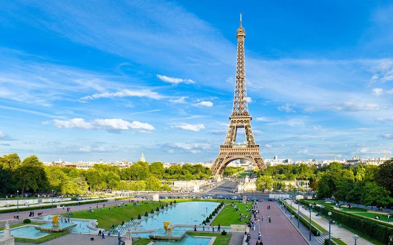 Fransada builki Bastiliya Günü həkimlərə həsr olundu