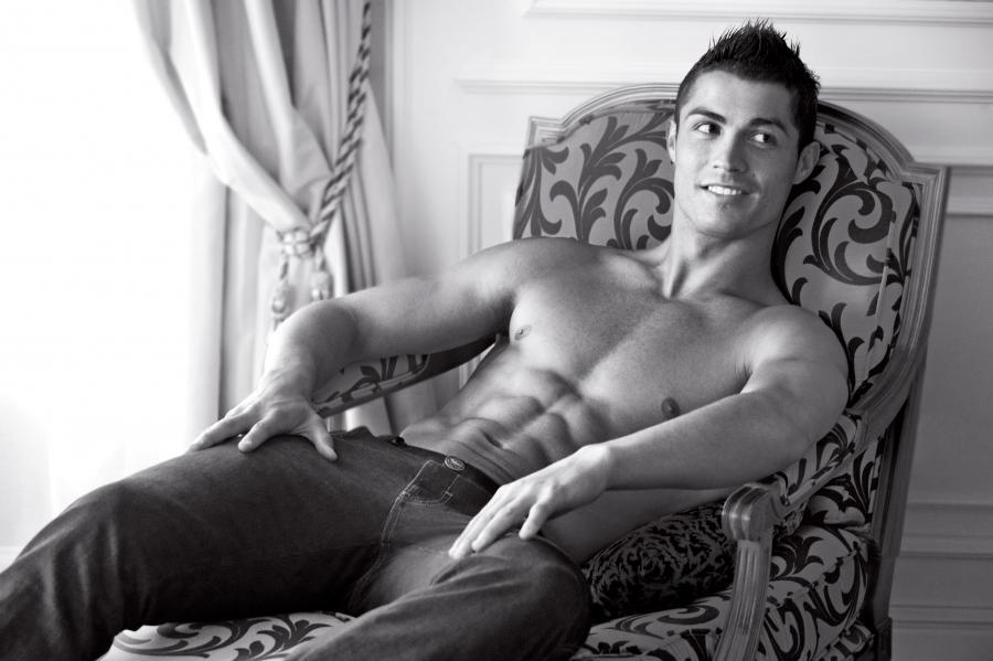 Ronaldo bu səbəbdən döymə etdirmir –