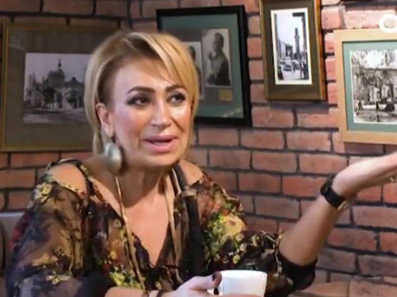 """""""Atama gözəl xanımlardan məktublar gəlirdi"""""""