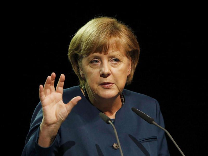 Merkelin istefası tələb olunur