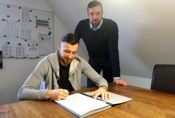 Azərbaycanlı futbolçu Almaniya klubu ilə müqavilə bağladı