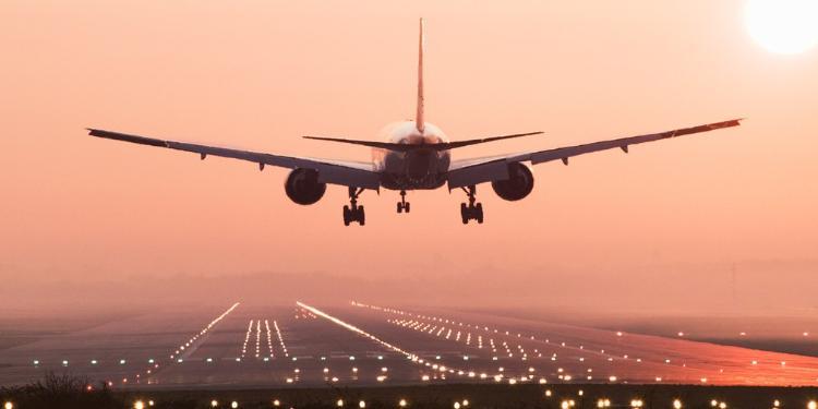 Britaniya Hava Yolları Çinə uçuşları dayandırıb