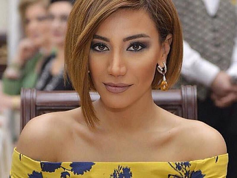 Röya villasını yarım milyona satışa çıxardı
