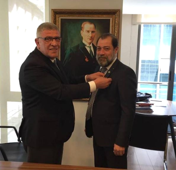 Məşhur aktyor deputatlığa namizəd oldu- FOTO