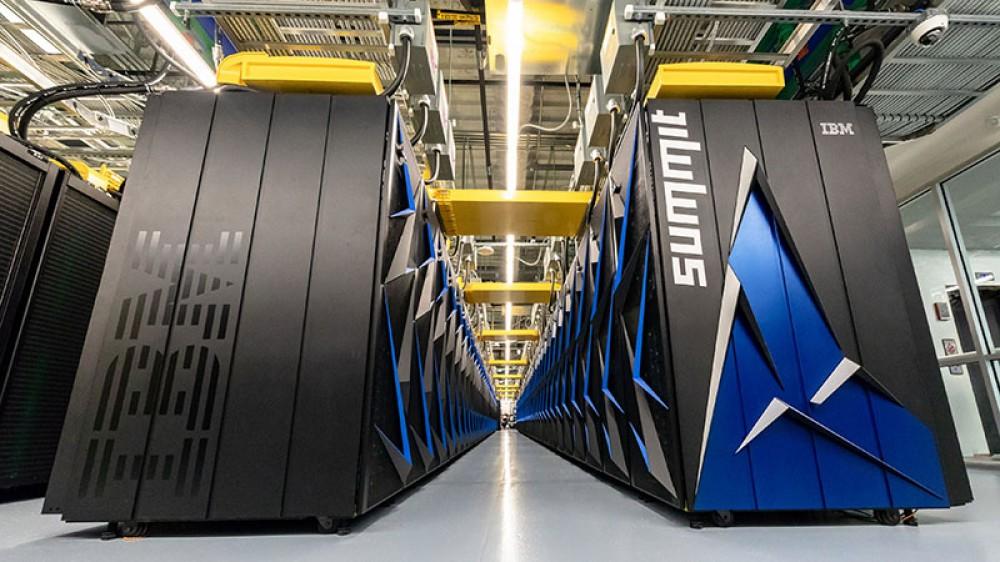 ABŞ dünyanın ən güclü superkompüterini təqdim etdi