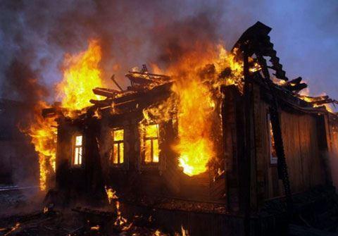 Müxalifət liderinin evini partlatdılar