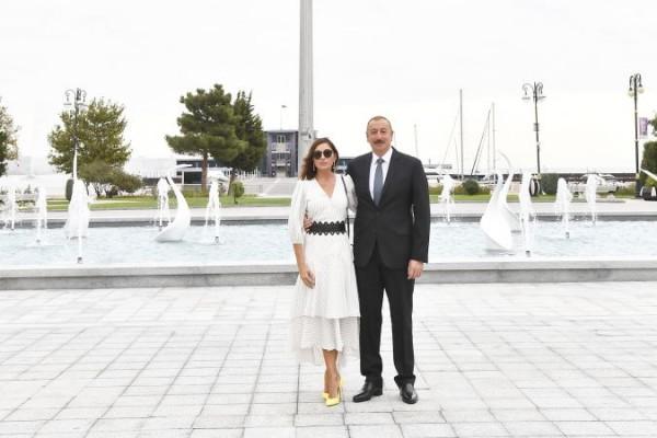 İlham Əliyev və xanımı Mərkəzi Parkın açılışında