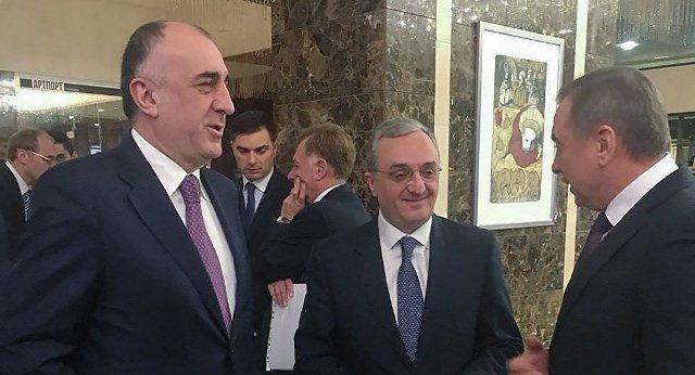 Elmar Məmmədyarov erməni həmkarı ilə görüşdü