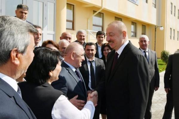 Prezident məcburi köçkünlərin aylıq müavinətini artırdı