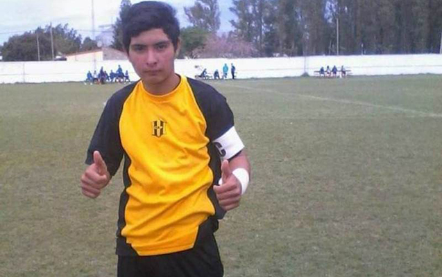 Argentinalı futbolçu oyun meydançasında öldü
