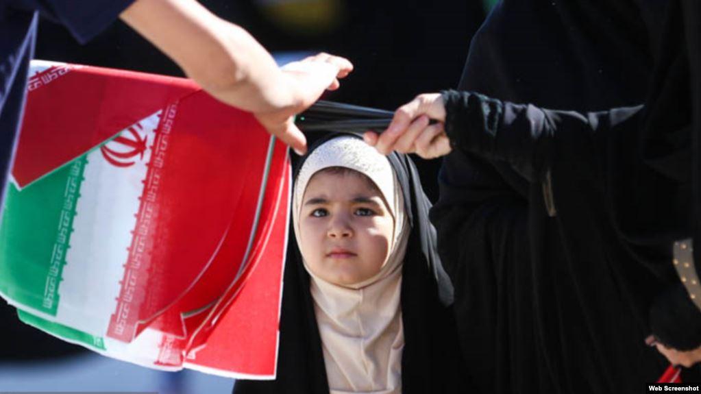 İran hökuməti hicabın aqressiv təbliğatına başlayıb