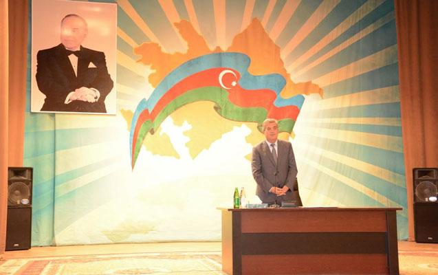 Qaradağ Rayon İcra Hakimiyyəti yerli sakinlərlə görüş keçirdi