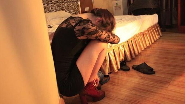 Azərbaycanda qızlar yetkinlik yaşına çatmamış fahişəliyə cəlb edilir