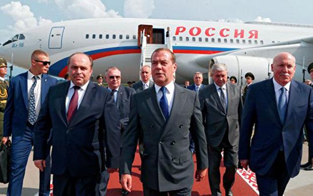 Medvedev Qırğızıstana getdi