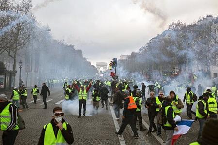 """Parisdə """"Sarı jiletlilər""""in aksiyası zamanı 123 nəfər saxlanılıb"""
