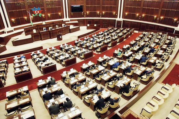 Parlamentin sabahkı iclasının gündəliyi dəyişdi
