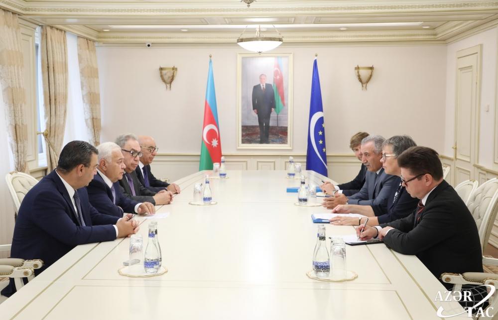 """Oqtay Əsədov AŞPA prezidenti ilə görüşdə """"ikili standartlar""""a"""