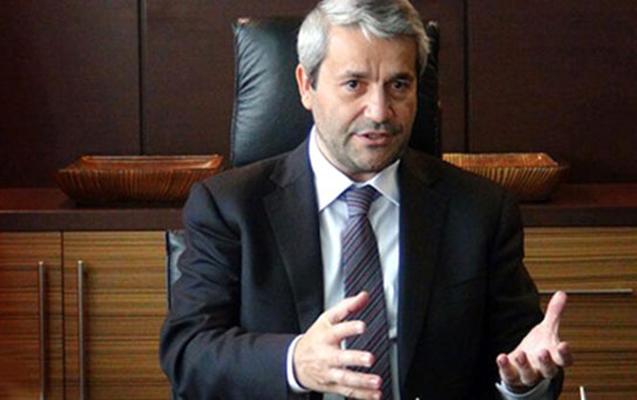 Keçmiş nazir AKP-dən istefa verdi