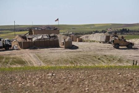 ABŞ Suriyanın neft ehtiyatlarının yerləşdiyi ərazidə hərbi bazalar tikir