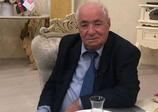 """""""Yubkası dizindən iki qarış yuxarı olanları efirə yığıb söyüş söydürürlər"""""""