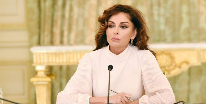 """Mehriban Əliyeva: """"Tibb işçilərimiz bu çətin sınaqdan şərəflə çıxırlar"""""""