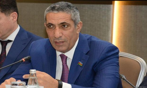 """Siyavuş Novruzovdan irad: """"Bəzi deputatlar seçicisi olmayan şəxslərin müdafiəsinə qalxırlar"""""""