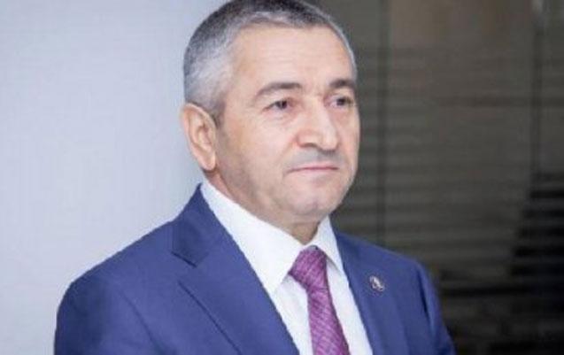 İcra başçısı Adil Vəliyev 280 min rüşvətlə tutulan işçisini azadlığa çıxardı