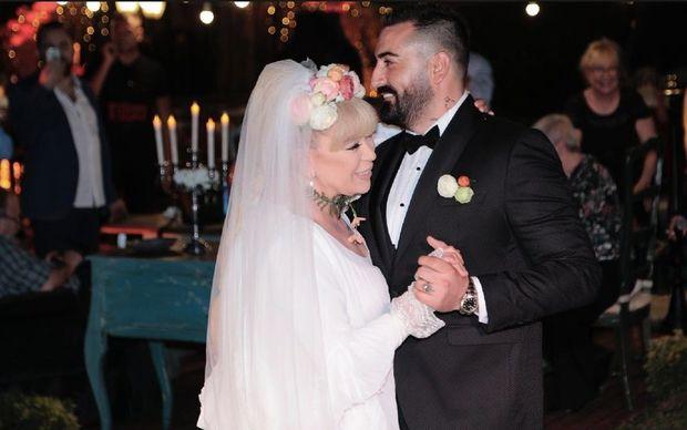 Evliliyi 36 saat çəkən Zerrin Özer ilk dəfə keçmiş homoseksual ərindən danışdı – FOTO/VİDEO