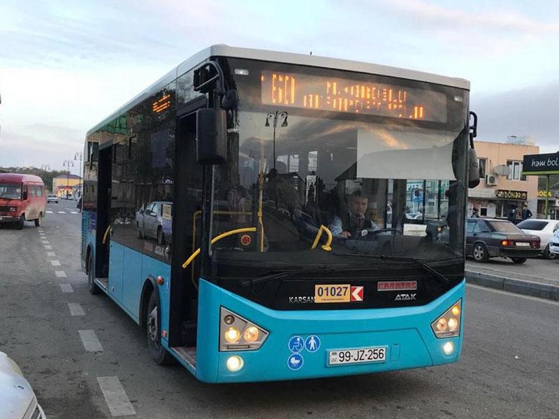 Bakıda sərnişin avtobusu yük maşını ilə toqquşdu – VİDEO