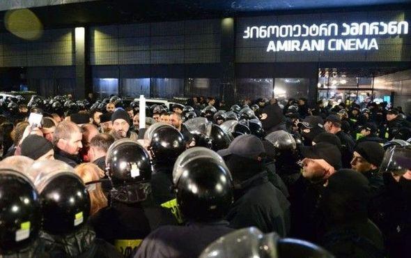 Gürcüstanda filmə qarşı etirazlar keçirilib: 27 nəfər saxlanılıb – FOTOLAR/VİDEO